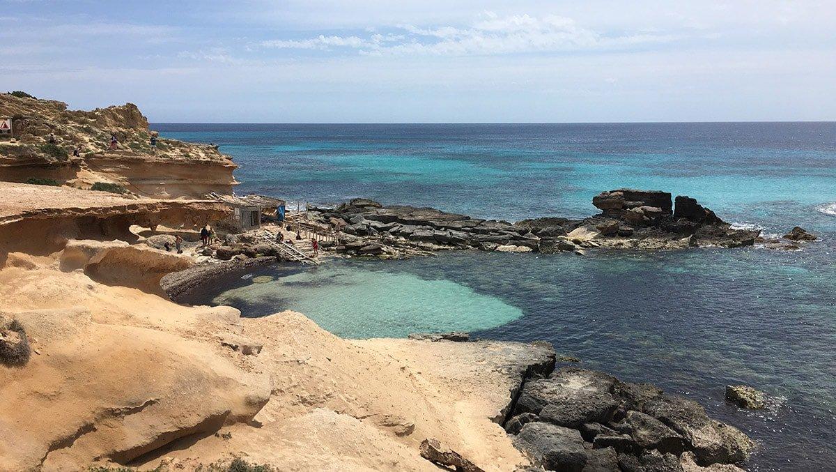 Cala Caló des Mort de Formentera