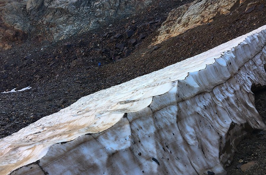 Placa de gel, camí a la Pica d'Estats