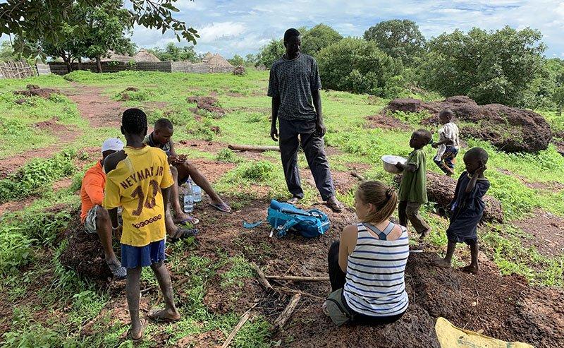Interactuant amb els poblats del País Bassari
