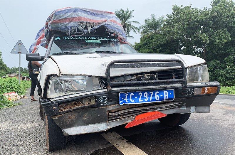 Setplaces danyat en un accident amb motorista