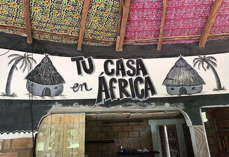 'Tu Casa en África, Abéné